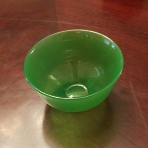 Green jade tea bowl